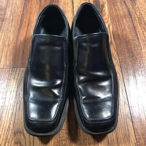 G.H. Bass Black Leather Men's slip on loafer 10